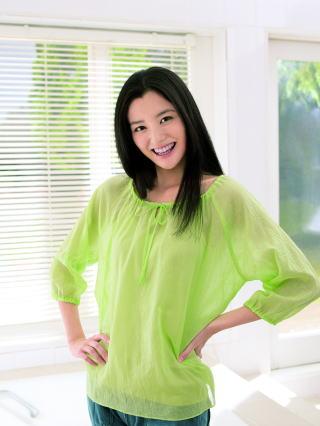 黄緑服の原田夏希